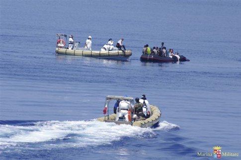 Πάνω από 30 μετανάστες χάθηκαν στα ανοιχτά των ιταλικών ακτών