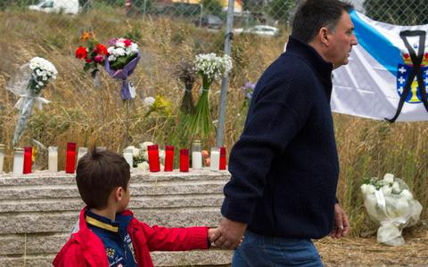 Μαζική προσευχή για τα θύματα της σιδηροδρομικής τραγωδίας