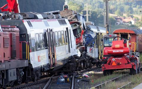Ελβετία: Η παραβίαση του σηματοδότη πιθανή αιτία για την σύγκρουση των τρένων