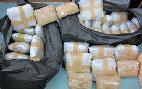 Πορτογαλία: Κατασχέθηκαν 811 κιλά κοκαϊνης μέσα σε κιβώτια με μπανάνες