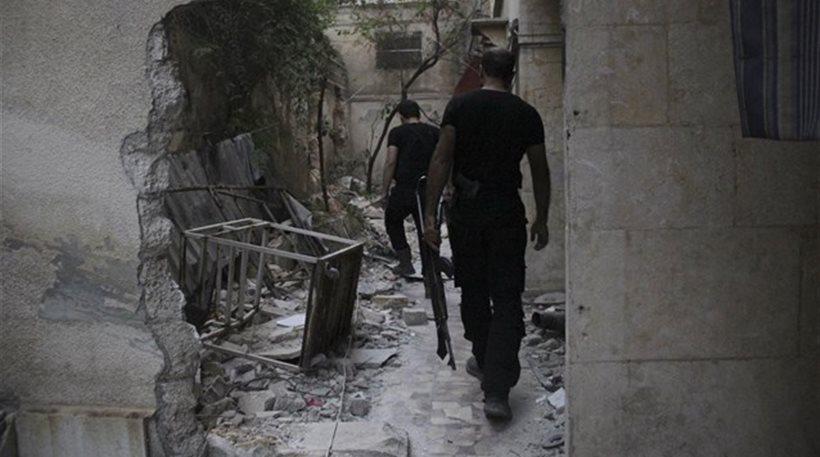 Συρία: Οι αντάρτες κατέλαβαν αεροπορική βάση στην επαρχία του Χαλεπίου