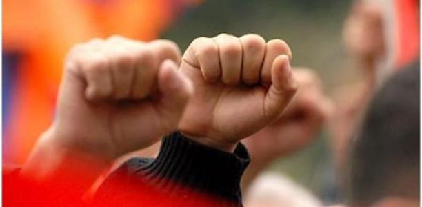 «Η κυβέρνηση κρατάει ομήρους τα παιδιά και όλη την κοινωνία»