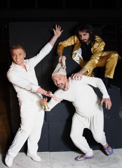 Οι «Σφήκες» με τον Τάκη Ζαχαράτο στο Θέατρο Ν. Ιωνίας