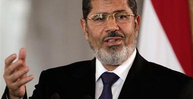 Αίγυπτος: Κατηγορίες για προσβολή δικαστών κατά του Μόρσι