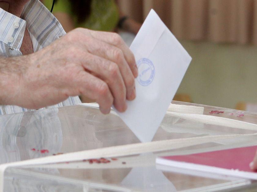 DW: Υποψήφιοι ελληνικής καταγωγής στις γερμανικές εκλογές