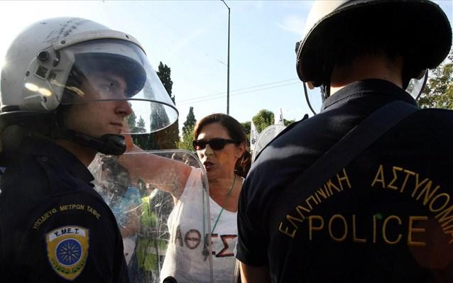 ΠΑΜΕ: Πιστή στο δόγμα «νόμος και τάξη» η κυβέρνηση