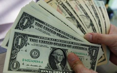 Αστεγος παρέδωσε στην αστυνομία σακίδιο γεμάτο χρήματα