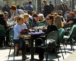 Τρίκαλα: Η καφετέρια των ανασφάλιστων - Έφοδος των επιθεωρητών και πρόστιμο 21.000€!