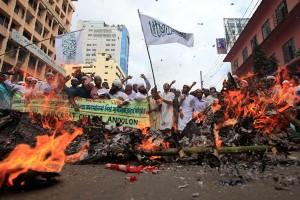 Nεκρός σε διαδηλώσεις στο Μπανκλαντές