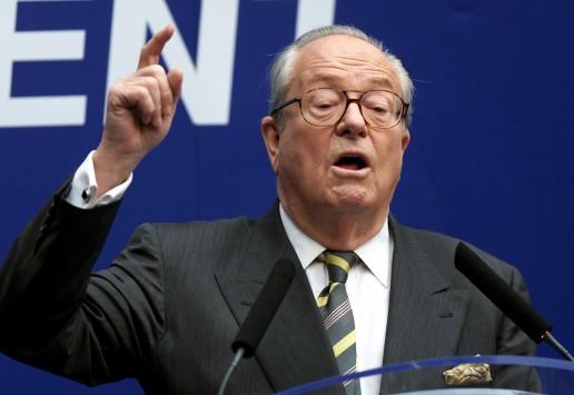 Κατεβαίνει υποψήφιος στις ευρωεκλογές ο Λεπέν