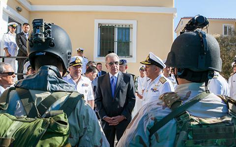 Αβραμόπουλος: Θεματοφύλακες της ανεξαρτησίας της χώρας οι Ενοπλες Δυνάμεις