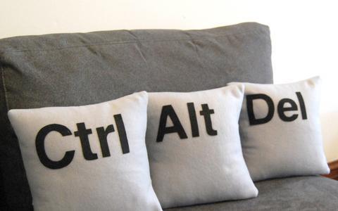 Μπιλ Γκέιτς: Ηταν λάθος το ctrl-alt-delete