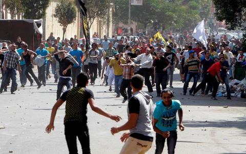 Αίγυπτος: Πυρά σε διαδήλωση υποστηρικτών του Μόρσι