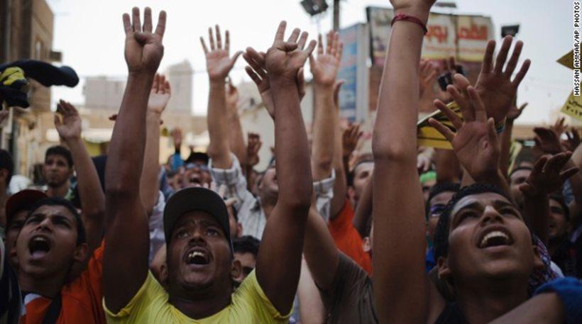 Πέντε νεκροί σε συγκρούσεις διαδηλωτών με αστυνομικούς στην Αίγυπτο
