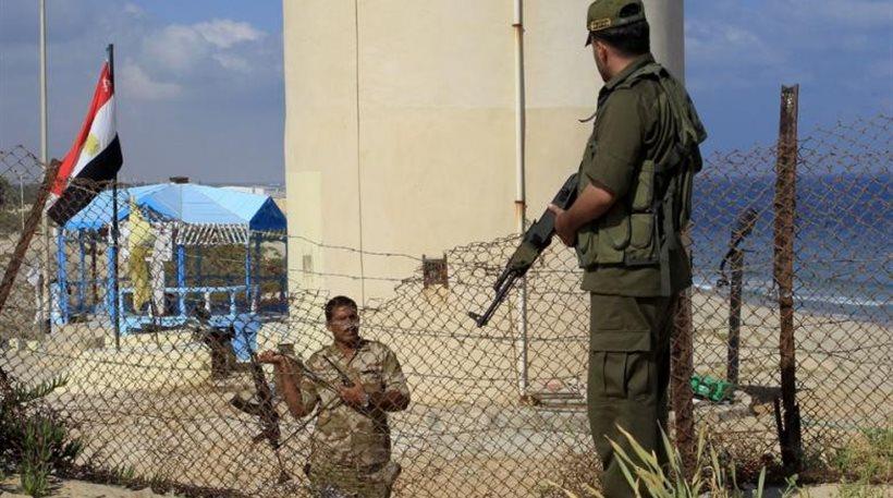 Πολύνεκρες επιθέσεις κατά στρατιώτών στην Αίγυπτο
