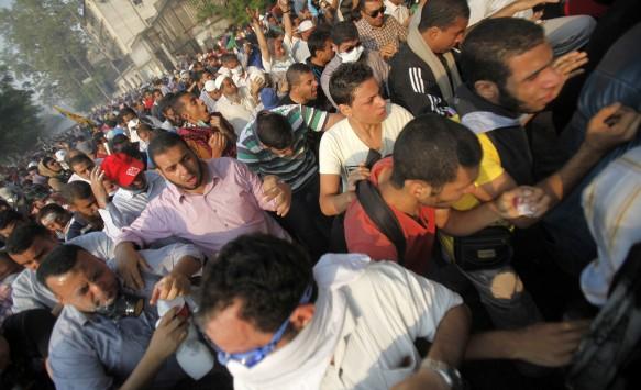 Αίγυπτος: 44 νεκροί και 246 τραυματίες σε συγκρούσεις μεταξύ ισλαμιστών διαδηλωτών και στρατού
