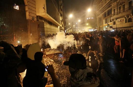 Νύχτα... κόλαση στη Βραζιλία με σοβαρά επεισόδια σε διαδήλωση εκπαιδευτικών