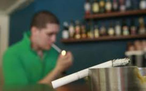 Το κάπνισμα διχάζει τους πολιτικούς στη Βουλγαρία