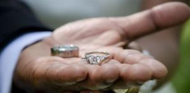 Η κρίση … χωρίζει ζευγάρια στα Τρίκαλα!
