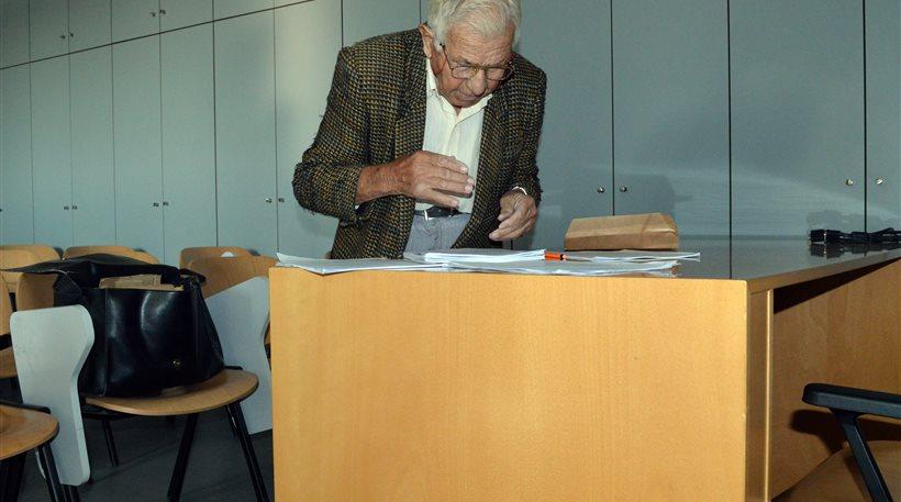 Ποτέ δεν είναι αργά! Ελληνοκύπριος πήρε πτυχίο στα 94 του