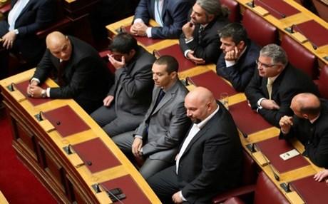 Αίρεται η ασυλία 6 βουλευτών της Χρυσής Αυγής