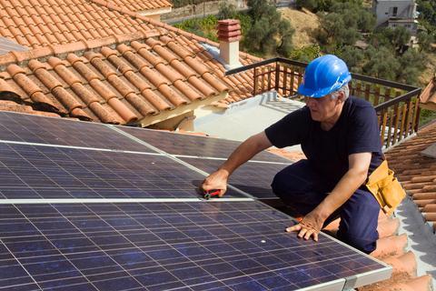 Αθέμιτος ανταγωνισμός τα φωτοβολταϊκά στις κατοικίες