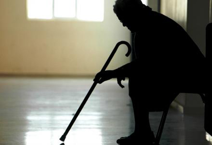 «Άρπαξε» από τη γιαγιά 9.000 ευρώ για δήθεν χρέος στην εφορία