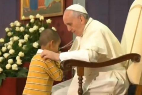 Το απίστευτο πιτσιρίκι που σάστισε τον Πάπα