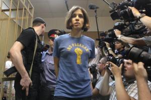 «Κατέβασαν» ιστοσελίδα στη Ρωσία γιατί έπαιξε βίντεοκλιπ των Pussy Riot