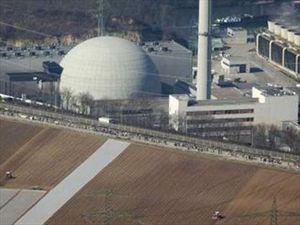 Το Βερολίνο κλείνει τα πυρηνικά εργοστάσια