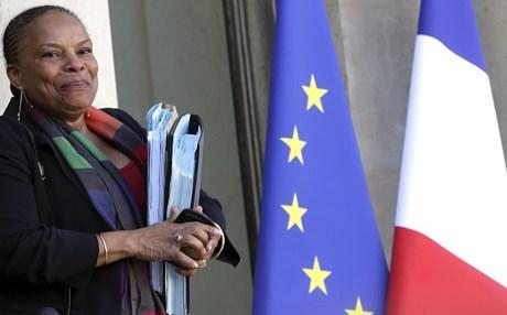 Γαλλία: Παρεμβαίνει εισαγγελέας για το ρατσιστικό δημοσίευμα