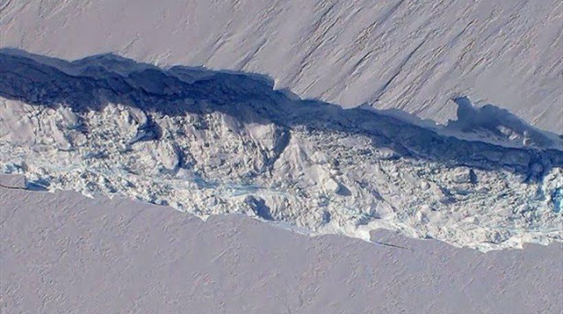 «Συναγερμός» για γιγαντιαίο παγόβουνο στην Ανταρκτική