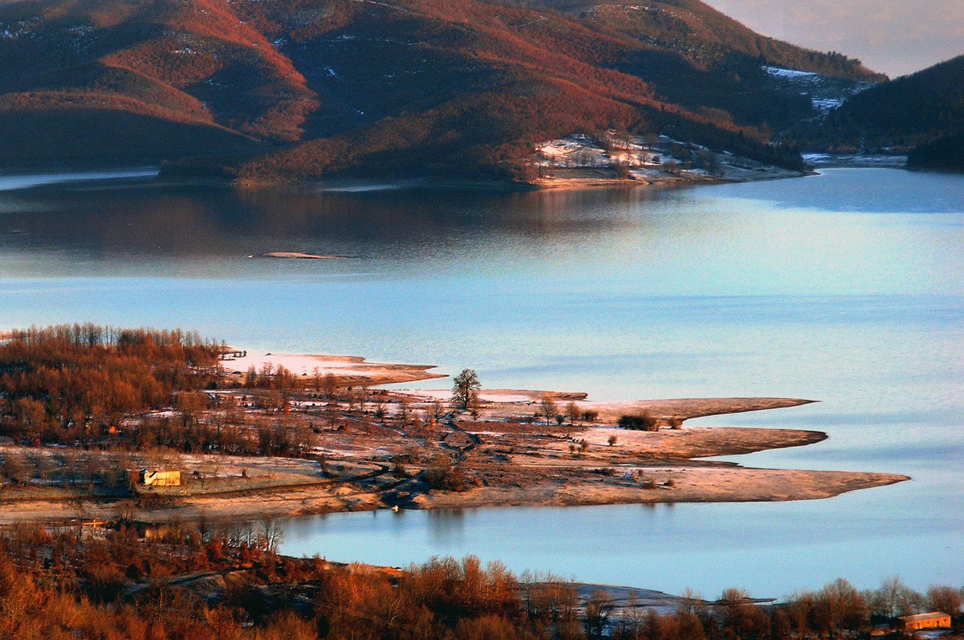 Ημερήσια εκδρομή στη λίμνη Πλαστήρα - Φράγμα Μέγδοβα