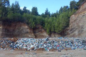 Συναγερμός για επικίνδυνα νοσοκομειακά απόβλητα στις Λίμνες – Παρέμβαση εισαγγελέα