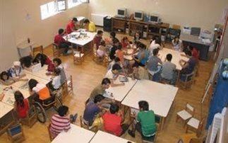 Τις 8.500 θα φτάσουν τη φετινή σχολική χρονιά οι προσλήψεις στον τομέα της ειδικής αγωγής