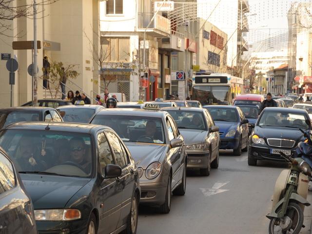 «Θηλιά» στους ιδιοκτήτες οχημάτων για τα ασφάλιστρα