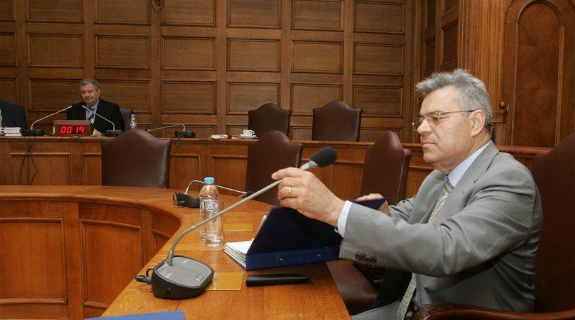 Για τις 12 Δεκεμβρίου διεκόπη η δίκη του Μαντέλη για το «δώρο» από τη Siemens