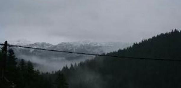 Τα πρώτα χιόνια στα ορεινά των Τρικάλων