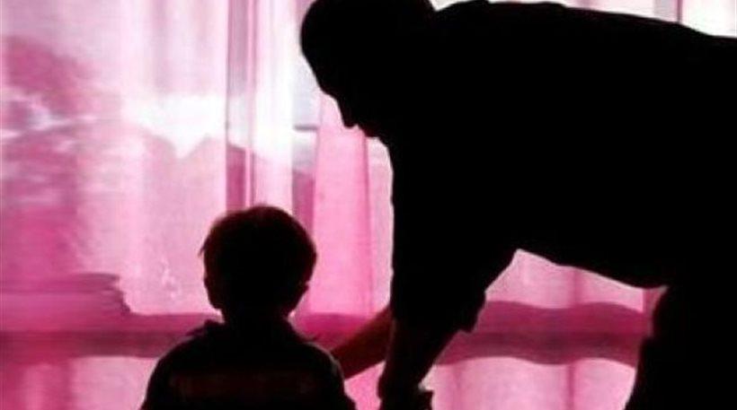 Παραμένει στο δικαστικό σώμα ο παιδόφιλος πρωτοδίκης!