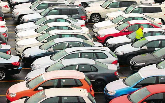 Συνεχίζουν να αγοράζουν αυτοκίνητα