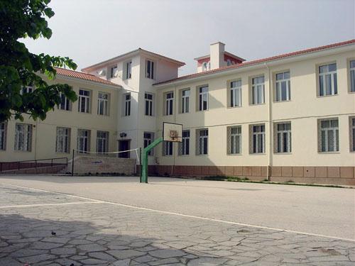 Μπιλιετάκια στα σχολεία ~ ΣΤΕΛΝΕΙ ΤΟ ΙΚΑ ΓΙΑ ΠΡΟΣΤΙΜΑ