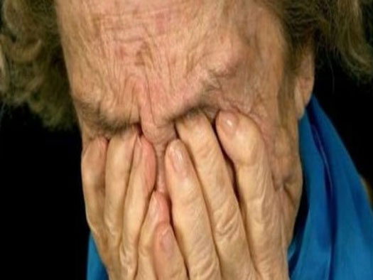 Λάρισα: Απέσπασε από 76χρονη 350 ευρώ
