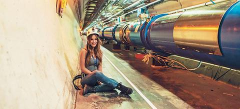 Η 22χρονη Ελληνίδα που φωτογραφίζει το CERN
