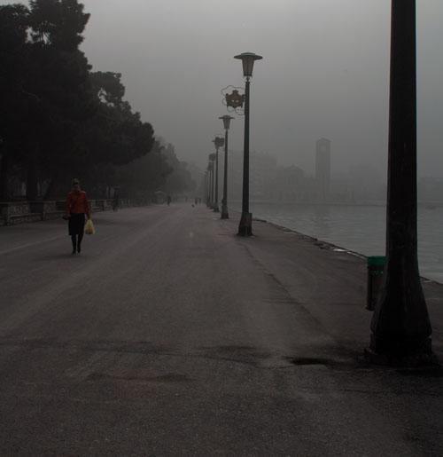 «Αιθαλομίχλη» στο δωρεάν ρεύμα