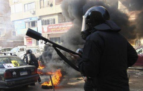 Αιματηρές συγκρούσεις στην Αίγυπτο πριν το δημοψήφισμα για το Σύνταγμα