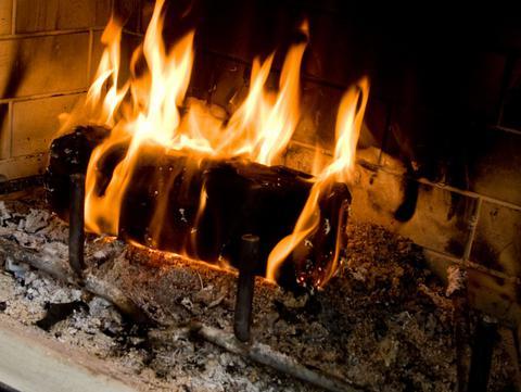 Συναγερμός στη Θεσσαλονίκη για τα ακατάλληλα προϊόντα καύσης