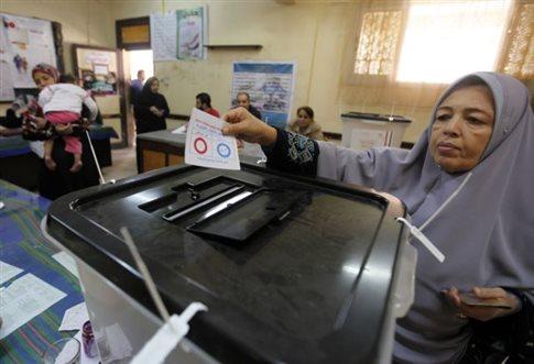 Μικροεπεισόδια στην Αίγυπτο κατά τη δεύτερη ημέρα του δημοψηφίσματος
