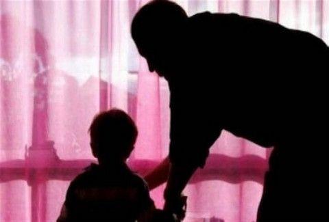 Έκλεβε με τη βοήθεια ενός μικρού αγοριού