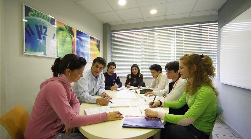 Βουλή: Ξεκινά το Κοινωνικό Φροντιστήριο