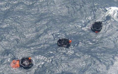 Τουλάχιστον 21 νεκροί από ναυάγιο τουριστικού πλοίου στην Ινδία